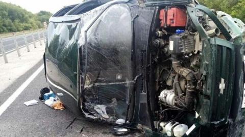 Лихач на «Ниве» врезался в тросовое ограждение в Калининском районе и погиб