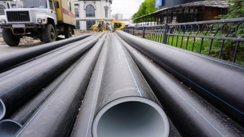 КВС прокладывает новые водопроводные сети по улице Ламповой