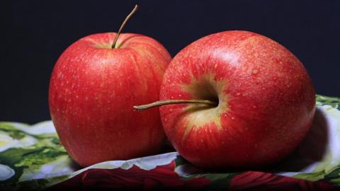 Роспотребнадзор предупредил саратовцев об опасности яблочной диеты