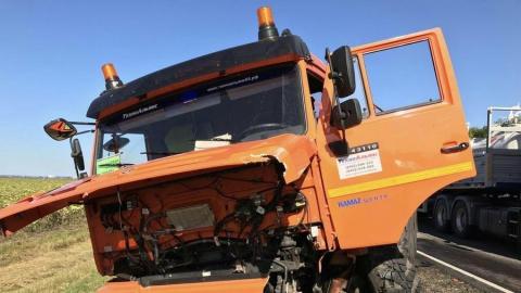 Три человека в Балашовском районе насмерть разбились при столкновении с цистерной