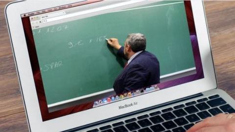 Саратовских учителей старше 65 лет не допустят к занятиям с 1 сентября