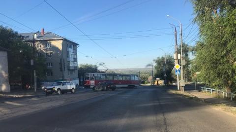 Трамвай попал в аварию на 20-м квартале в Заводском
