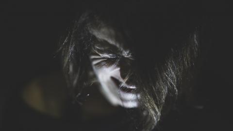 Саратовец изнасиловал дочь знакомых