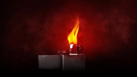 Соседский окурок «подарил» балаковцу пожар на балконе