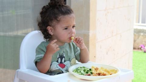 Рост цен на детское питание и дорогая колбаса «порадовали» саратовцев