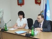 Марина Алешина представила нового и.о. ректора коллективу СГСЭУ