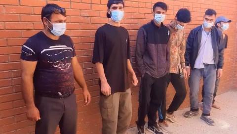 12 выходцев Южной Азии были задержаны при попытке пересечь границу в Саратовской области | Видео