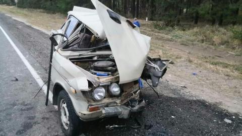 Фура разорвала пополам «шестерку» в Татищевском районе