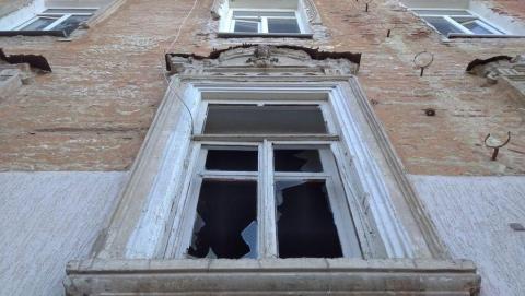 Памятник с ангелами на Соборной и Мичурина уничтожают варвары