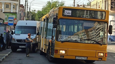 Администрация прокомментировала «догонялки» общественного транспорта в Волжском районе