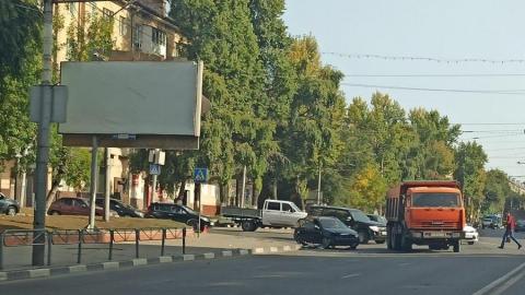 Автобус № 90 «ослепил» Chevrolet по дороге в Заводской