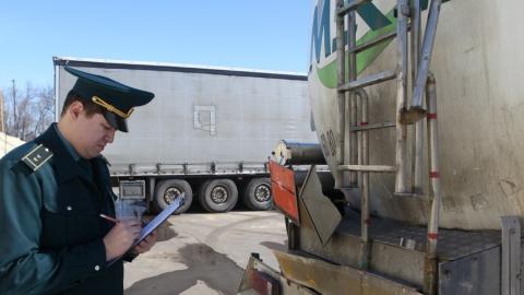 На саратовской таможне остановили 24 тонны контрабандного казахстанского топлива