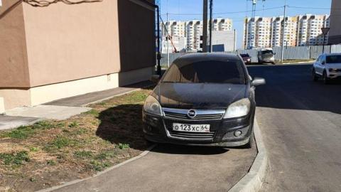 Саратовцы изобретают новые ругательства в адрес автохама в Солнечном районе