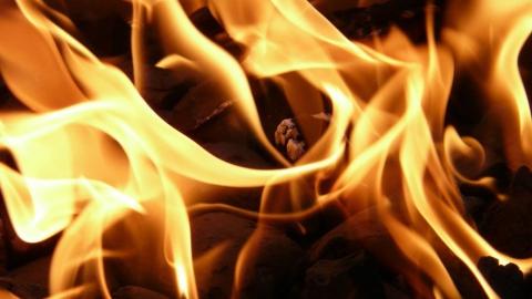 Пожар из-за неисправной проводки в Духовницком районе