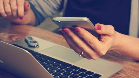 Клиентам «ЭнергосбыТ Плюс» доступен «Мобильный личный кабинет»