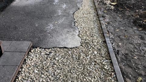 Жители Заводского района жалуются на некачественный ремонт тротуаров