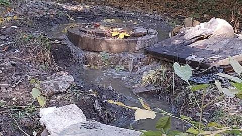 Жители Заводского района жалуются на недельный коммунальный «водопад» | Видео