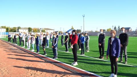 Юных спортсменов наградили за участие в посвященном дню геолога марафоне