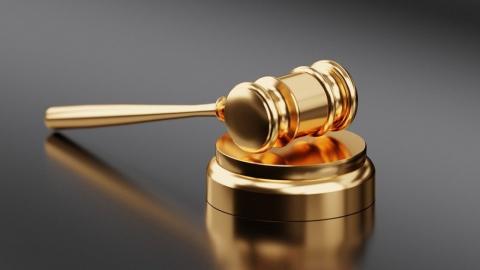 Суд не пожалел напавшего на школу с топором подростка из Вольска | 18+