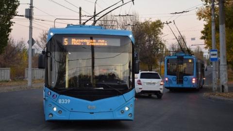 Троллейбусы по Трофимовскому мосту пустят в ноябре