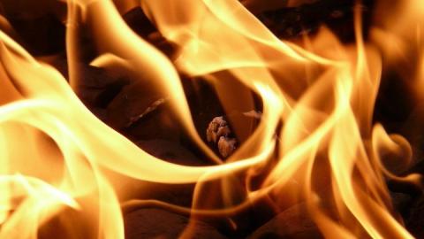 Четыре человека пострадали на пожаре в Заводском районе