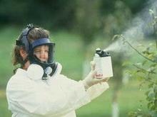 Пестицидная обработка полей под Балтаем грозит массовыми отравлениями