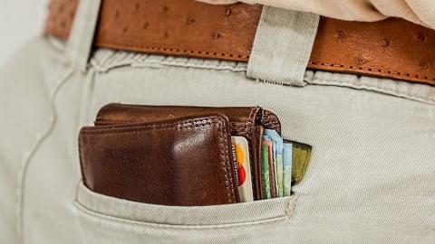 Саратовцы «подарили» мошенникам более полутора миллионов рублей за день