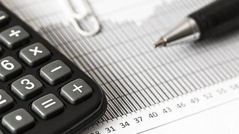 Налоговые каникулы для наиболее пострадавших от коронавируса отраслей продлены до февраля 2021 года