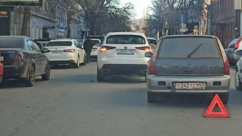 Две иномарки перегородили дорогу на Большой Казачьей
