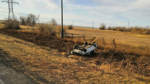 Мужчина погиб в перевернувшейся в Ровенском районе «семерке»