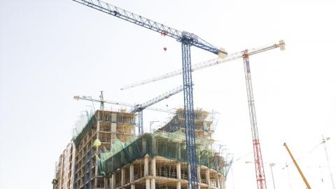 Сбербанк одобрил прием заявок на проектное финансирование с эскроу на сумму около 2 трлн рублей