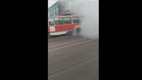 Трамвай загорелся в Заводском районе | ВИДЕО