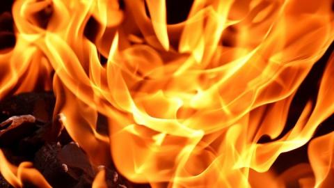 Житель Балакова пострадал из-за горящего дивана