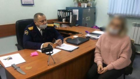 Саратовской учительнице предъявлено обвинение в убийстве женщины и ее четырехлетней дочери | 18+