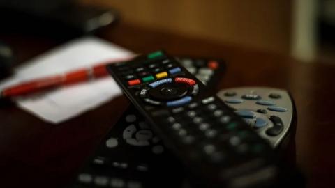В Хвалынском районе собутыльник украл у друга телевизор