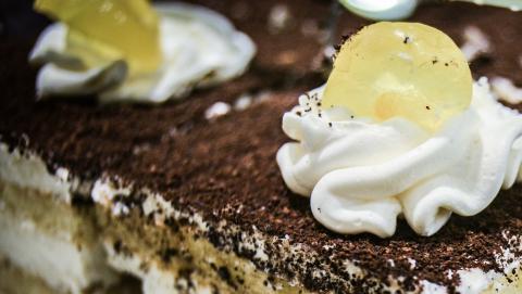 Саратовцам продавали торты с истекшим сроком годности