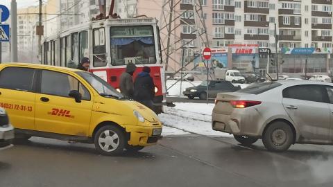 Авария на путях заблокировала движение трамваев в Ленинском районе