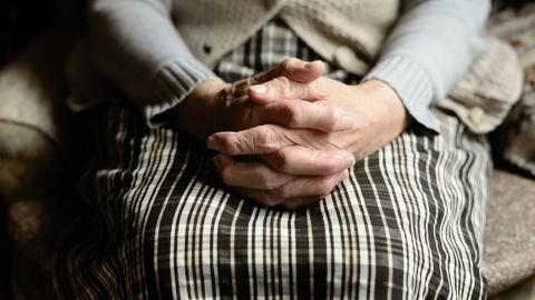 Пожилые саратовцы жалуются на увольнения