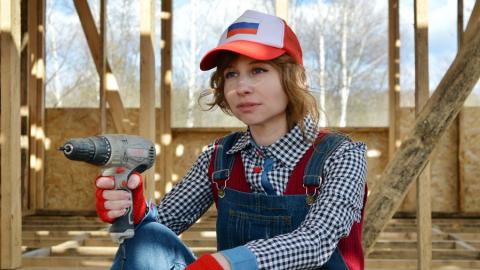 С первого января женщин получат право работать на стройке вместо мигрантов
