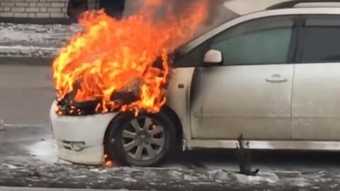 Volkswagen и два ВАЗа загорелись в Балакове