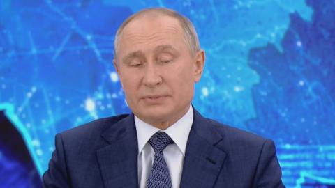 Владимир Путин: доходы населения упали, несмотря на повышение зарплат