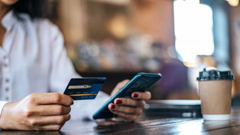 Объем выдачи потребительских кредитов в Поволжском банке в ноябре превысил 17 млрд рублей