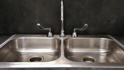 В двух районах в Саратове отключена  вода