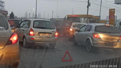 Тройная авария на выезде из Саратова