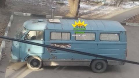 В Саратове горящий мини-трейлер оказался автодомом блогеров