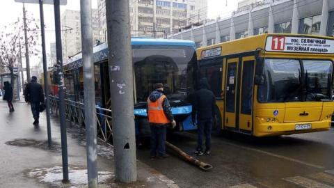 Саратовцы «насмерть» схлестнулись из-за сломанного московского троллейбуса