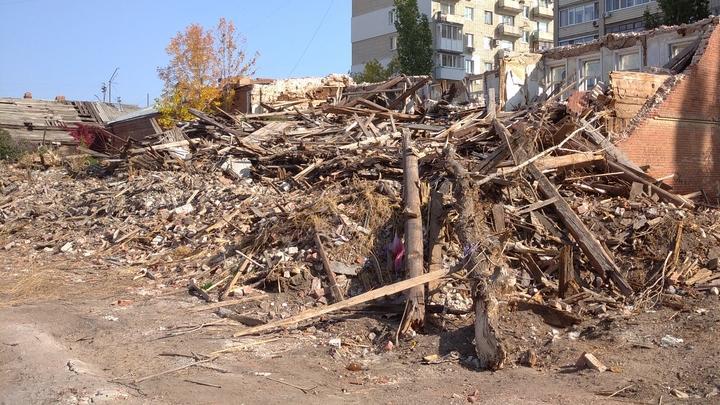 Из Саратова и районов области вывезли 6600 м3 растительных отходов