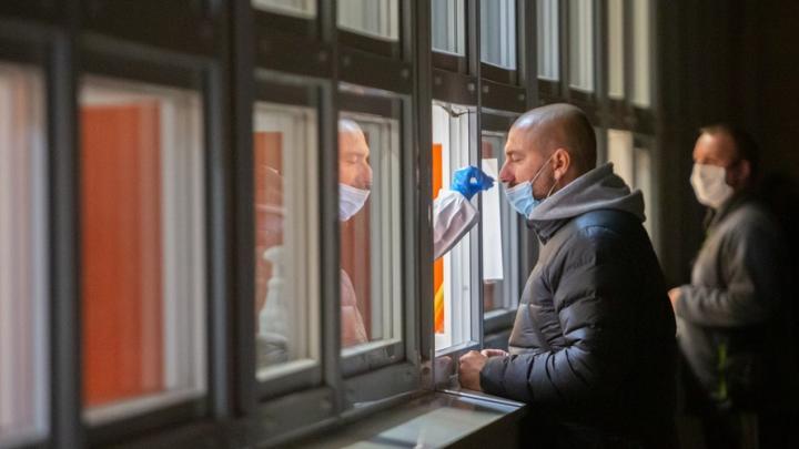 Саратовская область получила мини-лаборатории для тестов на коронавирус