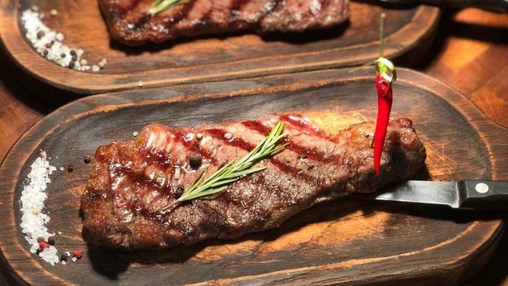 Знаете, кто в Саратове готовит идеальные стейки? Brizola BBQ к вашим услугам!