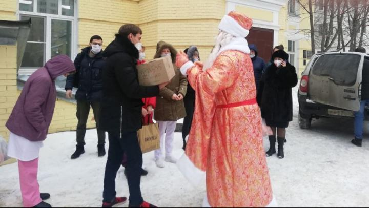 """Общественная палата Саратовской области продолжила свою акцию """"Сердечное спасибо!"""""""